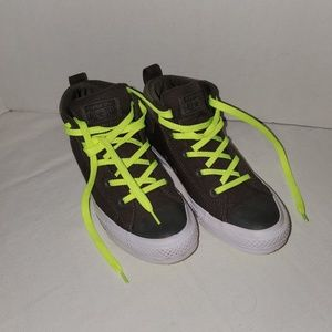 Womens Converse high top sz 7